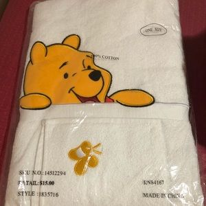 Other - Pooh towel set
